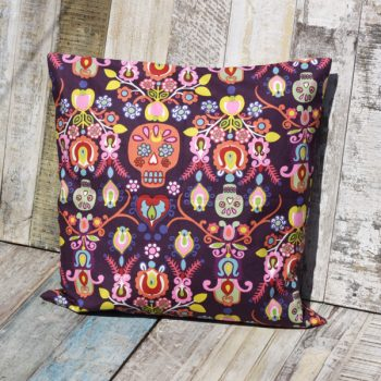 cushion calaveras del mar caoba