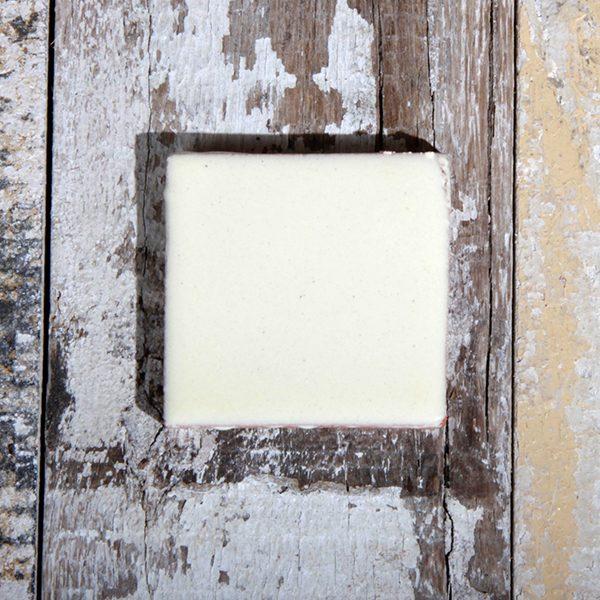 caoba tile small blanco