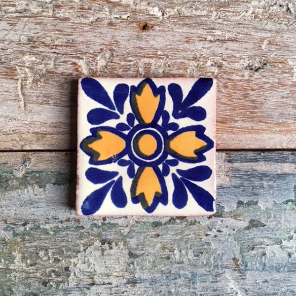 caoba oreja lion tile small