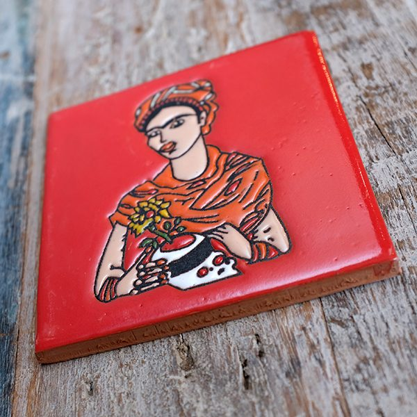 caoba relief frida red 1